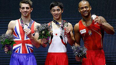 Ray Zapata se ha colgado la medalla de bronce en el Mundial de Glasgow 2015 con un ejercicio de suelo con una nota de 15.200 puntos. Vuelve a ver su ejercicio.