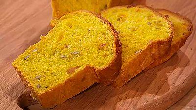 Pan de albaricoque, pipas y calabaza