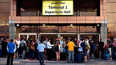 Miles de turistas británicos intentan regresar de Sharm el Sheij
