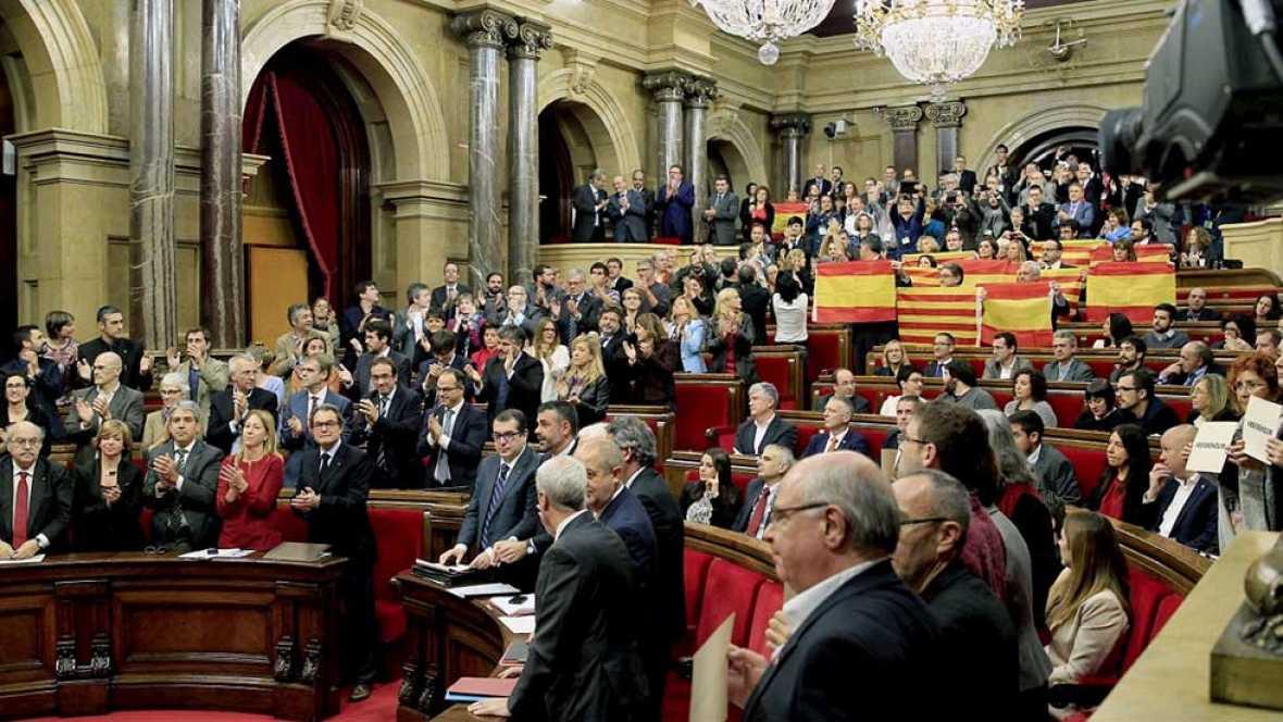 El Parlament aprueba la resolución independentista de Junts Pel Sí y la CUP con el voto en contra del resto de la oposición