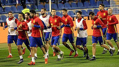Ajenos a la multa de Villar, la selección española ya está lista para enfrentarse a Inglaterra en el estadio Rico Pérez de Alicante.