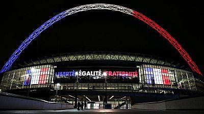 """El seleccionador francés, Didier Deschamps, ha asegurado que este  martes en el amistoso en Wembley ante Inglaterra representarán a su  """"país"""" y sus """"colores"""" """"con más orgullo que nunca"""", después de que el  pasado viernes París fuese víctima de vario"""