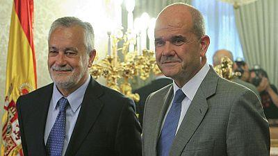 La juez del caso de los ERE abre diligencias contra Chaves, Griñán y otros 50 cargos públicos