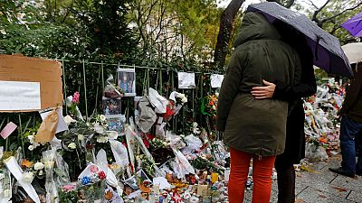Los parisinos siguen conmocionados una semana después del atentado