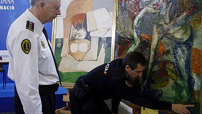 Detienen a seis personas que intentaban vender cinco obras falsas de Picasso