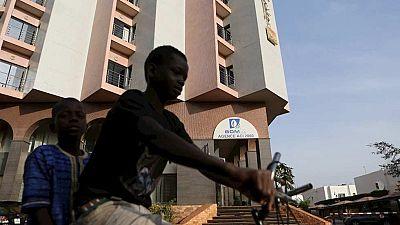 Tres días de luto en Mali mientras se sigue buscando a tres sospechosos del atentado en el Radisson
