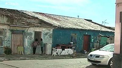Conviven con ratas por un solar abandonado