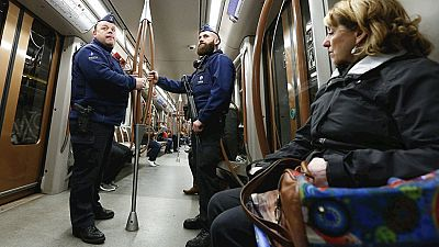 Bruselas vuelve poco a poco a la normalidad reabriendo el metro y los centros escolares