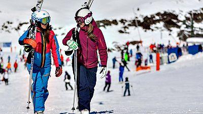 La estación leridana de Baqueira Beret, recientemente galardonada por el Consejo Superior de Deportes (CSD) con la Medalla de Bronce al Mérito Deportivo, presenta esta temporada 155 kilómetros de dominio esquiable.