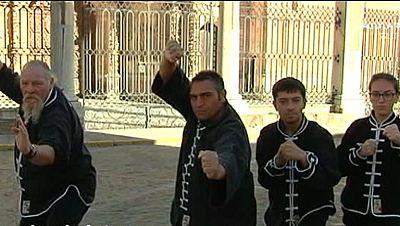 Los Jim�nez, una familia de forzudos