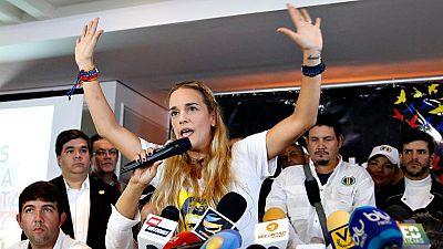 """La esposa de Leopoldo López, Lilian Tintori, ha denunciado que intentan acabar con su vida: """"Me quieren matar"""""""