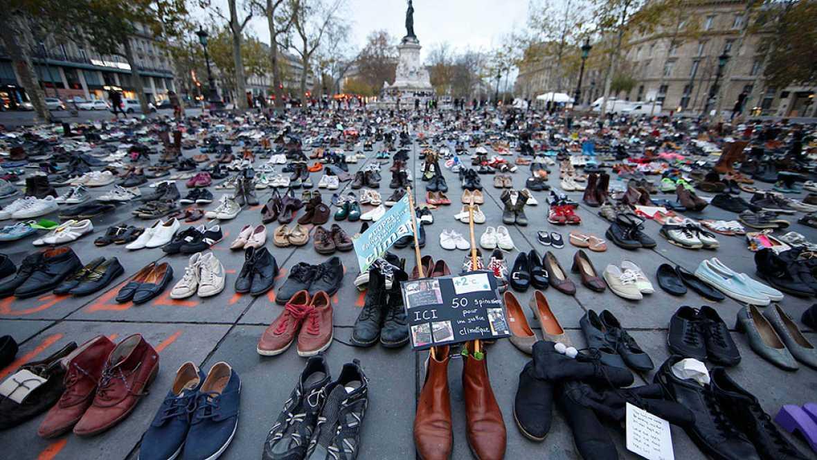 Miles de zapatos mantienen vivo el derecho a manifestarse en Par�s contra el cambio clim�tico