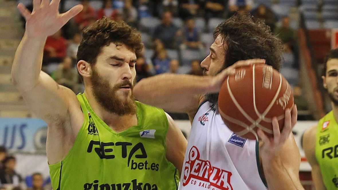 El Baloncesto Sevilla se ha adjudicado la victoria en San Sebastián (68-76), en un partido en el que le ha tocado sufrir al final después de tener en el tercer cuarto 22 puntos de ventaja.