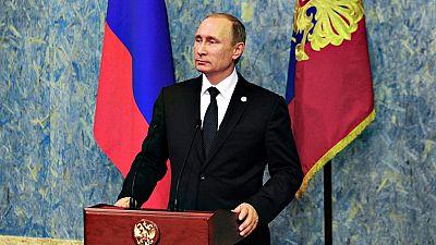 Rusia acusa a Turqu�a de abatir su avi�n para proteger el suministro de petr�leo que procede del D�esh