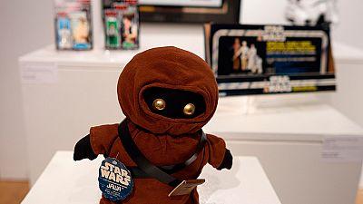 Exposiciones y subastas caldean el estreno de la nueva secuela de 'Star Wars'