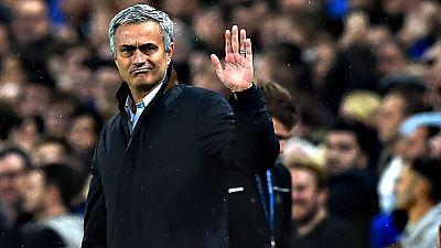 José Mourinho ha sido destiutido como entrenador del Chelsea tras una larga mala racha de resultados, según ha confirmado el propio club. El portugués tenía contrato con el equipo londinense por cuatro temporadas más. Los medios británicos apuntan a