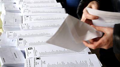 Todos los candidatos al Congreso y al Senado depositan su voto en las urnas