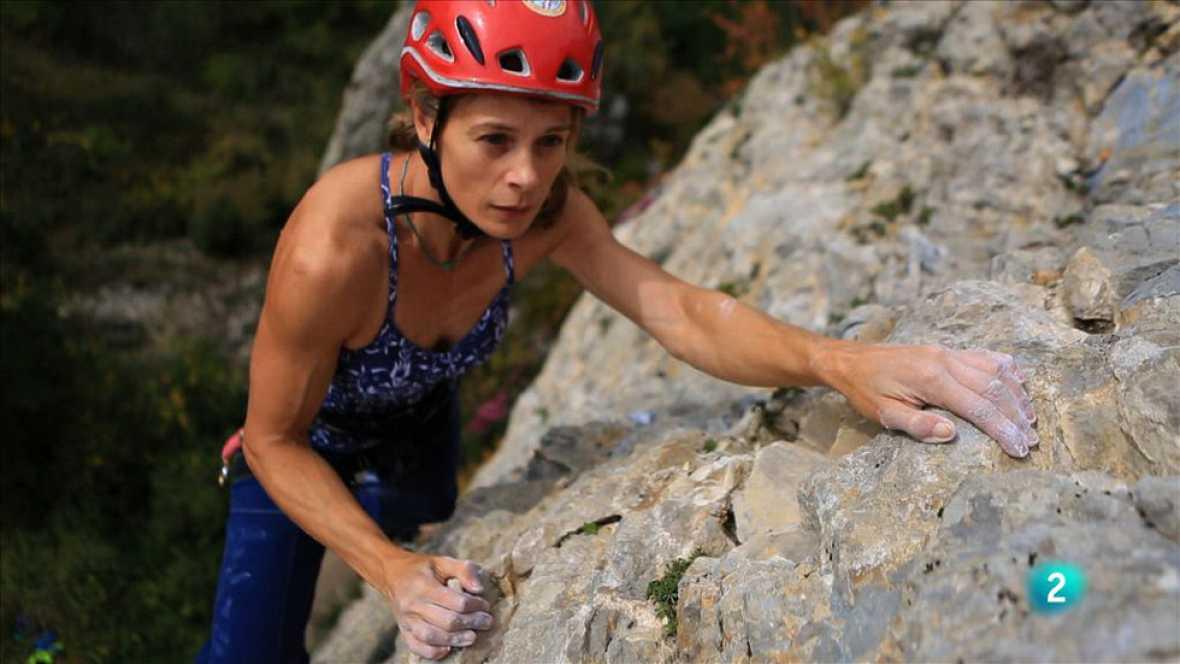 animalades -  Terra endins - Araceli Segarra ens ensenya com escalen els dragons