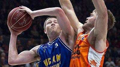 El Valencia Basket ha conseguido estirar a 22 victorias la racha de triunfos en la temporada 2015/16 tras derrotar, en la Fonteta, al UCAM Murcia (65-54).