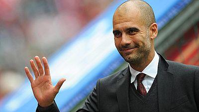 El diario 'Bild' ha revelado que Pep Guardiola habría llegado a un acuerdo con el Manchester City por 25 millones de euros brutos por temporada, un récord para un entrenador que superaría a los 18 que pagó el Chelsea a Mourinho.