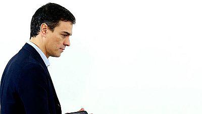 Sánchez reúne a sus barones para tratar un posible pacto con Podemos