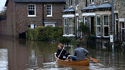 Las lluvias torrenciales provocan graves inundaciones en el norte de Reino Unido