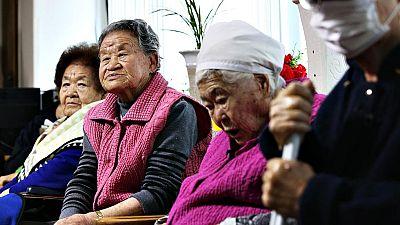 Japón acuerda con Corea del Sur indemnizar a las esclavas sexuales de la II Guerra Mundial