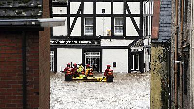 La tormenta Frank castiga al Reino Unido con lluvias torrenciales y fuertes vientos