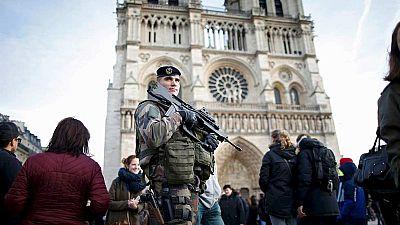 Fuerte despliegue policial en las capitales de todo el mundo por la amenaza yihadista
