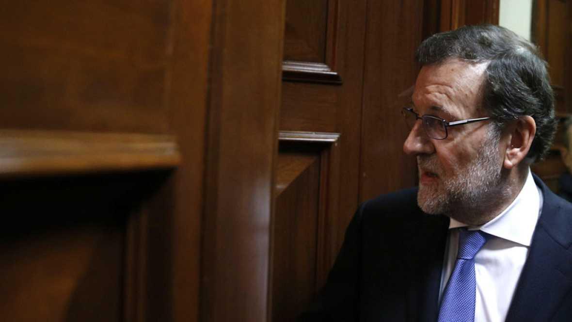 Rajoy dice que ve a Sánchez 'capaz' de hacer una coalición de 8 o 9 partidos