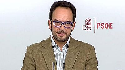 """El portavoz del Grupo Parlamentario Socialista en el Congreso, Antonio Hernando, ha reiterado el apoyo de su formación al Gobierno en funciones para hacer respetar la ley en Cataluña y ha indicado que no aceptará """"planteamientos rupturistas"""" desde la"""