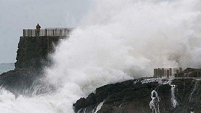 Rachas de vientos de hasta 130 km/h en A Coruña y fuerte oleaje en el cantábrico