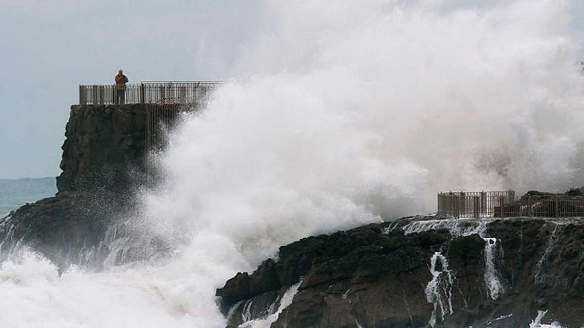 33 provincias han estado hoy pendientes de los fuertes vientos