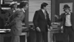 El gran circo de TVE - Los payasos juegan al golf y boxean en la oficina (Fragmento)