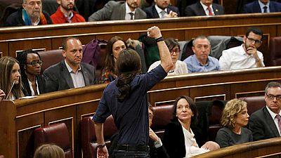 La variedad cromática del nuevo Parlamento se deja notar también en la forma de jurar