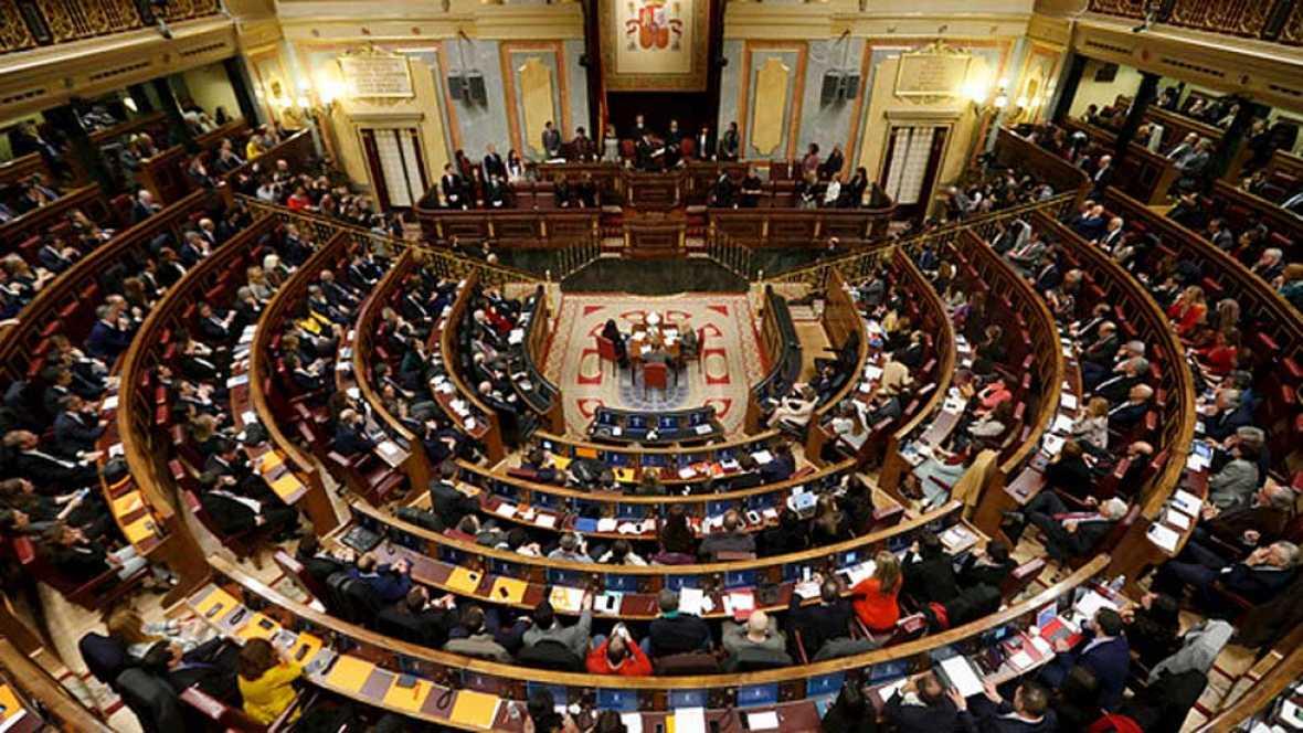 La XI Legislatura echa a andar sin que se despeje la duda de si habrá gobierno o nuevas elecciones