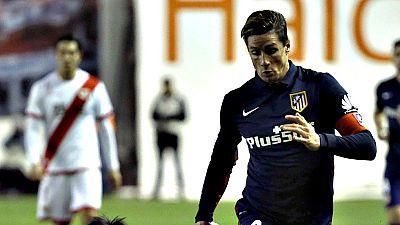 """El argentino Diego Simeone, entrenador del Atlético de Madrid, dijo hoy que piensa """"en el día a día, en el partido a partido"""", y se basa """"siempre en los rendimientos de cara al futuro de todos"""", preguntado por la renovación de Fernando Torres, que te"""