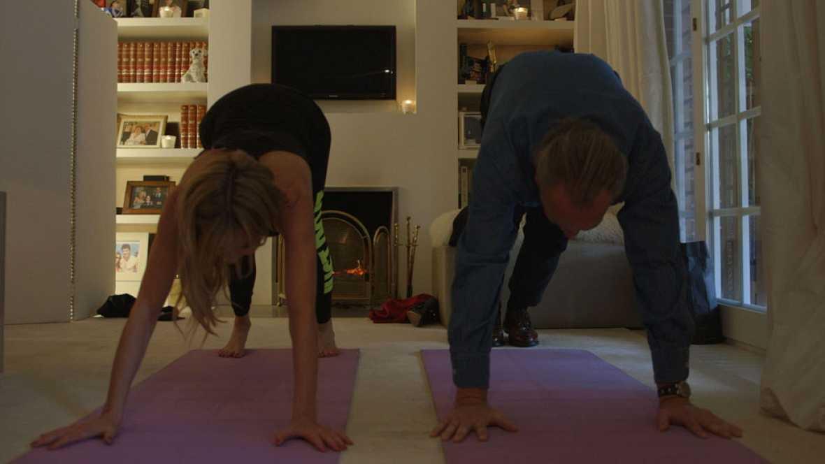 Ana Obregón y Bertín hacen yoga
