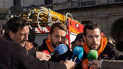 Centenares de personas piden la libertad para los bomberos españoles detenidos en Lesbos