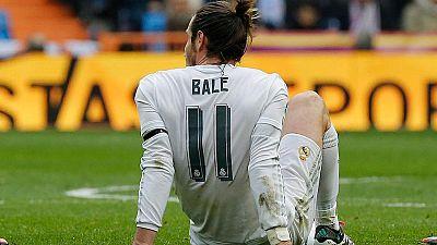 El galés Gareth Bale estará entre tres y cuatro semanas de baja tras romperse el sóleo por tercera vez esta temporada, la sexta desde que llegó al Real Madrid.
