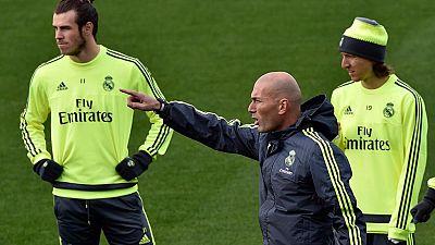El Real Madrid sigue preparando el partido liguero contra el Betis con buen ambiente en el vestuario después de la primera cena de grupo en la era Zidane.