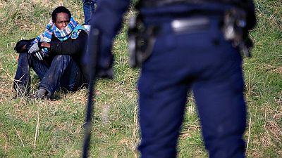 Más de 4.000 personas sobreviven en condiciones deplorables en la 'jungla de Calais'