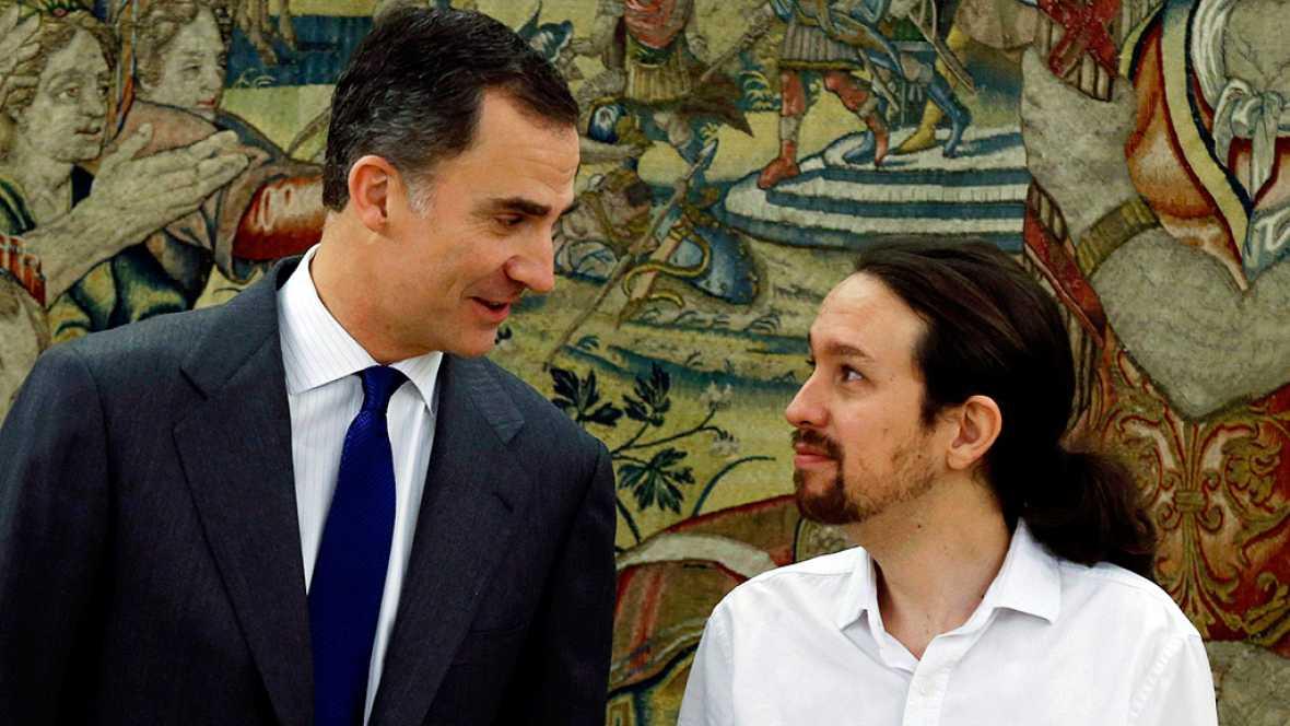 Pablo Iglesias traslada al rey su intención de formar Gobierno con PSOE e IU