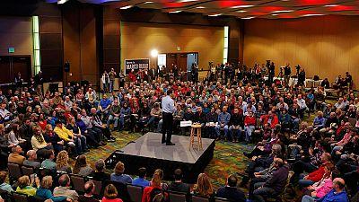 En las iglesias también se habla de política. La comunidad evangélica está fuertemente movilizada.  Su voto es conservador y los pastores piden fijarse en los candidatos que defiendan la familia, se opongan al aborto y protejan a los desfavorecidos.