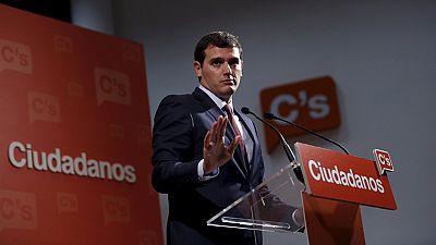 Albert Rivera se ofrece a Pedro Sánchez para dialogar