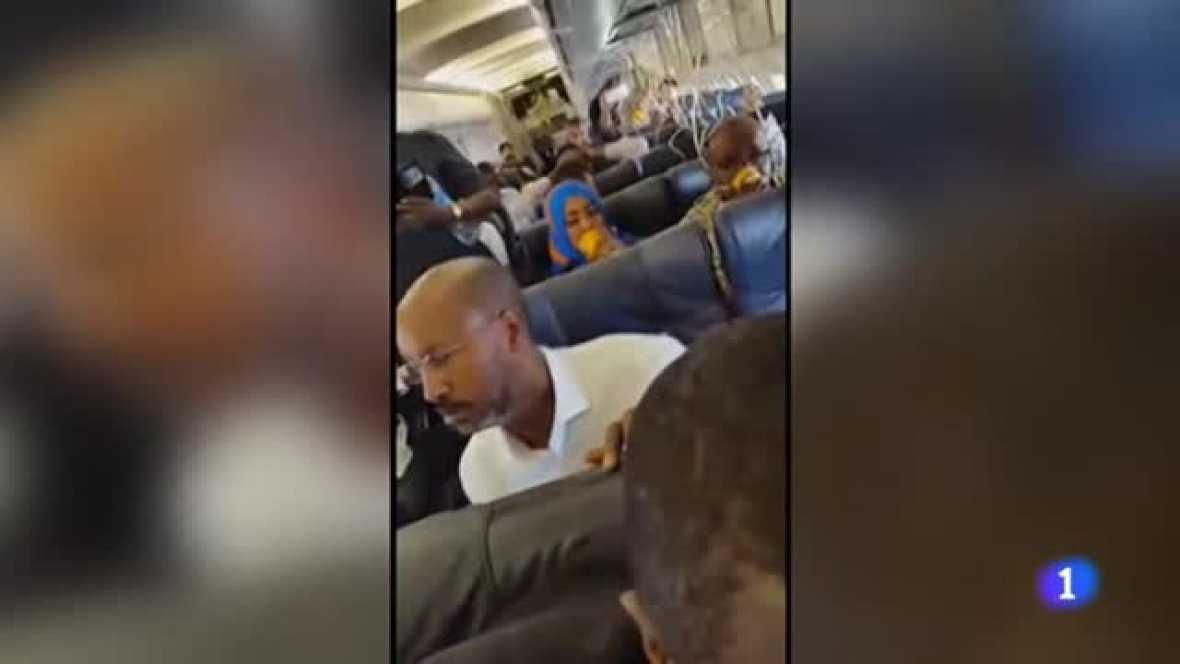 Un hombre se hace estallar en un avión en Somalia y obliga a un aterrizaje de emergencia