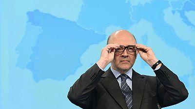 """Moscovici: """"Esperamos una versión actualizada del presupuesto"""""""