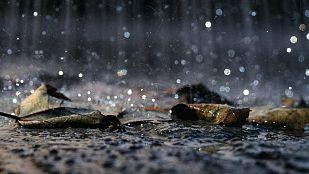 Intensas lluvias en Galicia y viento fuerte en el Cantábrico