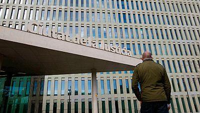 El padre de uno de los menores que sufrió  presuntos abusos sexuales en los Maristas de Barcelona  emprenderá acciones legales