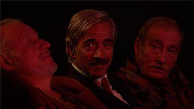 Cu�ntame c�mo pas� - Antonio, Miguel, Pepe y Ram�n la l�an en la sala X